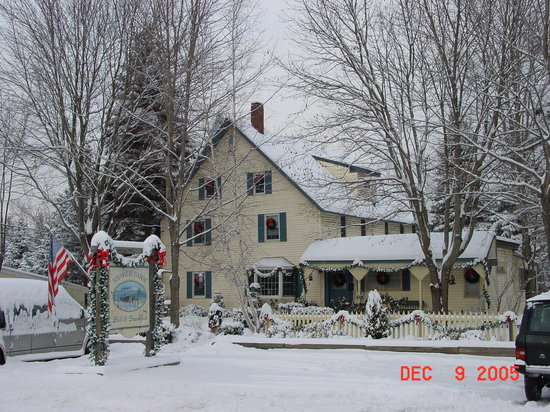 Enfield, NH: Winter View of Shaker Farm B&B