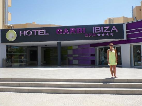 Hotel Garbi Ibiza & Spa : Outside the hotel