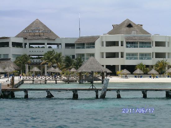 Isla Mujeres Palace: The resort