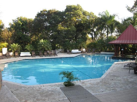 Et center picture of karibe hotel petionville tripadvisor for Garden pool haiti
