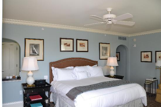 The Ocean House: bedroom