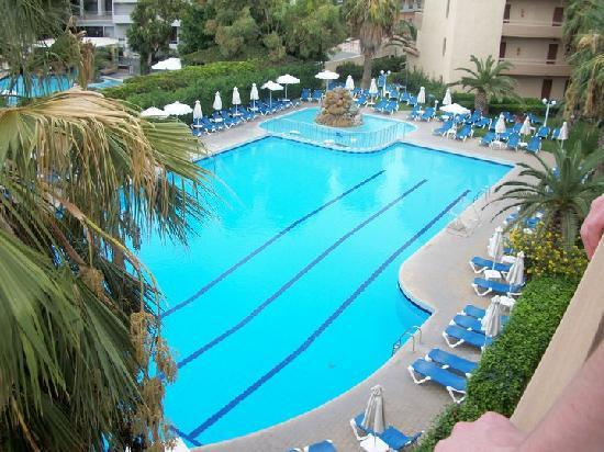 Sun Beach Resort Complex: Swimming pool