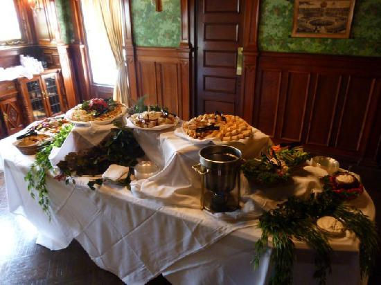 Toledo, OH: appetizers in the formal dining room