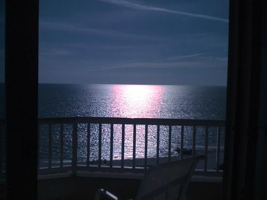Lido Beach Resort : The view from the room. Just before sunset.