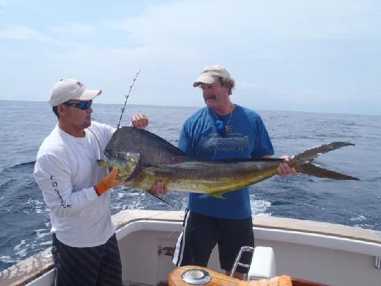 Dragin fly fishing charters los suenos costa rica for Los angeles fishing charters