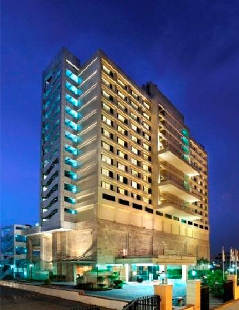 DoubleTree By Hilton New Delhi-Noida-Mayur Vihar: getlstd_property_photo