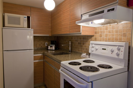 BEST WESTERN PLUS Kings Inn &amp; Conference Centre: We offer kitchenettes and One Bedroom Suites