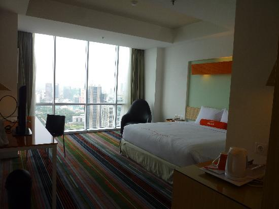 HARRIS Suites FX Sudirman: Harris fX Sudirman-Room