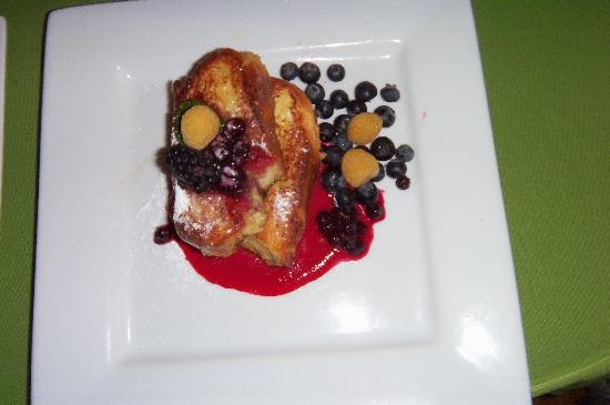 Orient Inn: Don't miss Joan's French Toast!