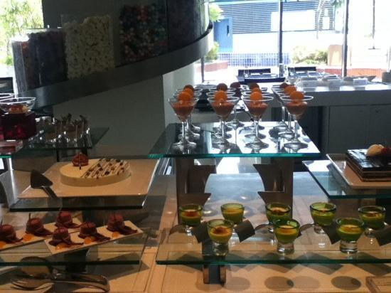 The Westin Pune Koregaon Park: dessert buffet