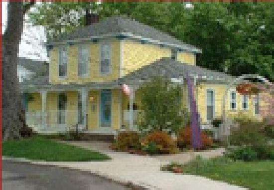 His Majesty's Bed & Breakfast: Near all Madison-Geneva OH Wineries
