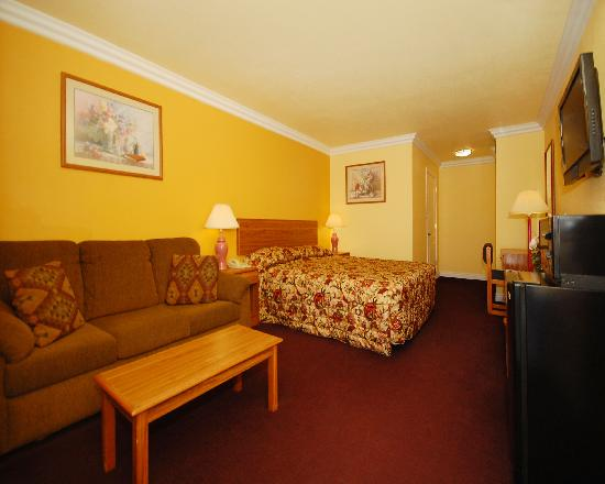 Photo of Rodeway Inn & Suites Blythe