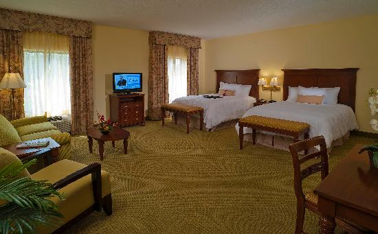 Hampton Inn & Suites North Charleston-University Blvd: 2 - Queen Beds, Studio Suite
