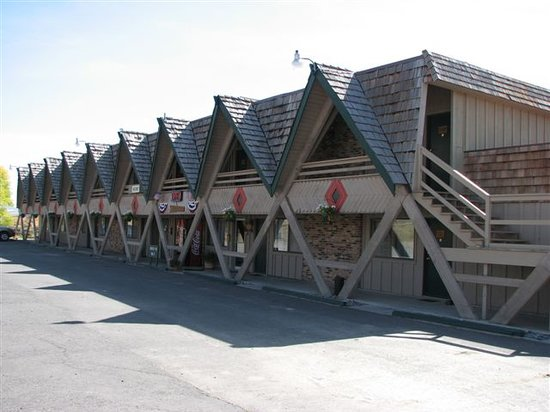 ‪Rocky Mountain Lodge‬