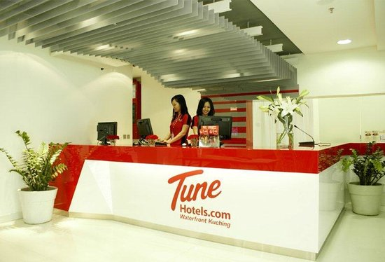Tune Hotels .com Waterfront Kuching: Lobby