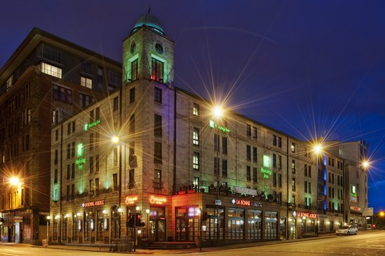 Holiday Inn Glasgow City Centre Theatreland : Exterior image of the Holiday Inn Glasgow Theatreland at night