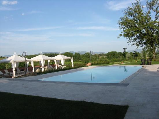 Ciggiano, Italien: Trendy swiming pool