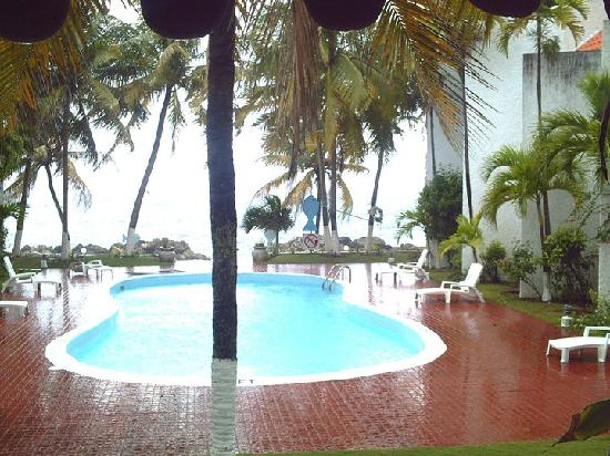 Chrisanns Beach Resort: the beautiful pool.