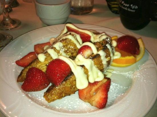 La Tourelle Resort &amp; Spa: walnut encrusted french toast