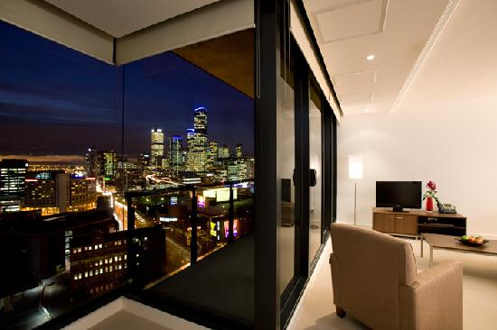 Melbourne Short Stay Apartments Southbank Deluxe: Relax and enjoy the views