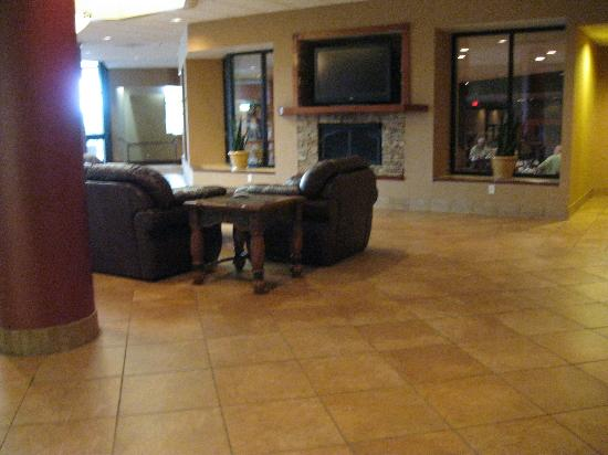 Holiday Inn Johnson City : Lobby