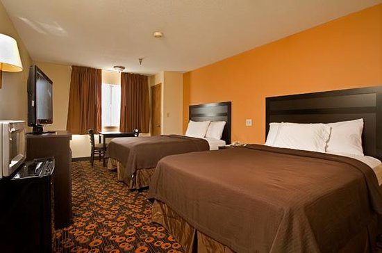 Econo Lodge Inn &amp; Suites: Two Queens