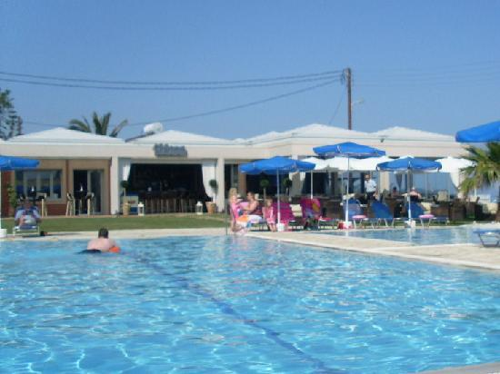 Acharavi, Greece: Pool Area