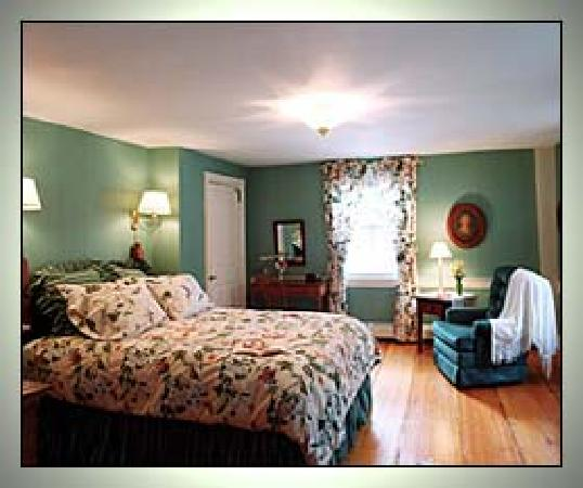 Shaker Hill Bed and Breakfast: Comfortable Rooms