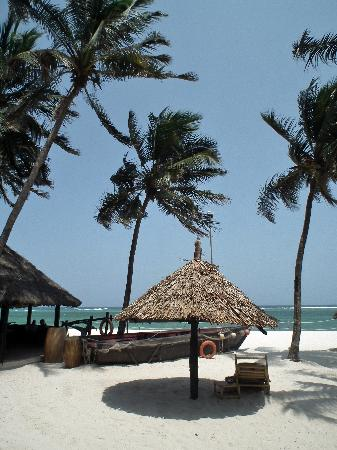 "Diani Reef Beach Resort & Spa: part of beachbar with ""dhow"""