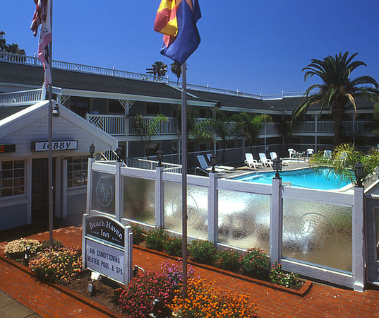 Beach Haven Inn : Hotel Entrance 