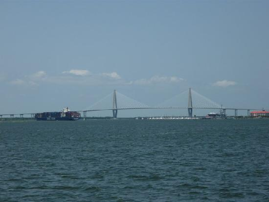 Courtyard by Marriott Charleston-Mount Pleasant: Arthur Ravenel Jr. Bridge from the Harbor.