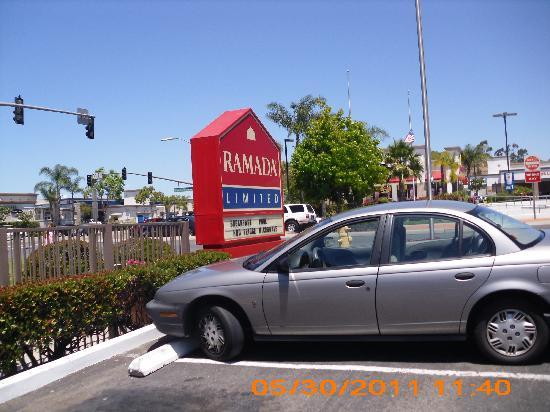 Ramada Limited San Marcos: hotel marquee sign in front
