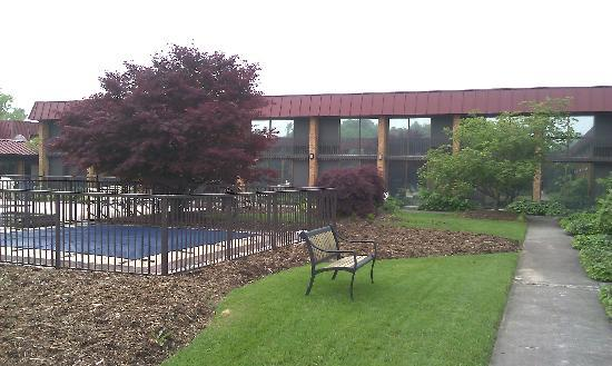 Holiday Inn University-Blacksburg: View of courtyard and outdoor pool, opens Memorial Day