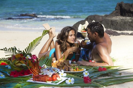 Turtle Island Resort: Private beach picnics