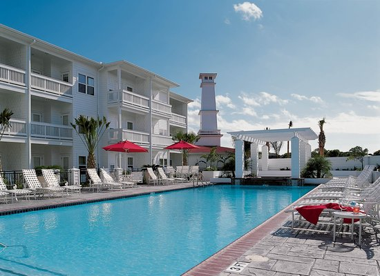 Lighthouse Inn at Aransas Bay: The weather may be HOT but the pool water is so COOL