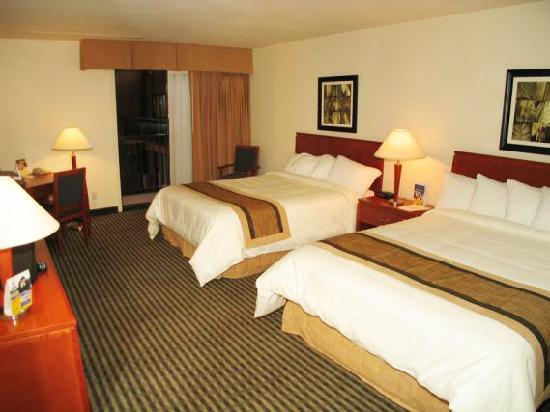 BEST WESTERN Rainbow Country Inn: Standard Room - 2 Queen Beds