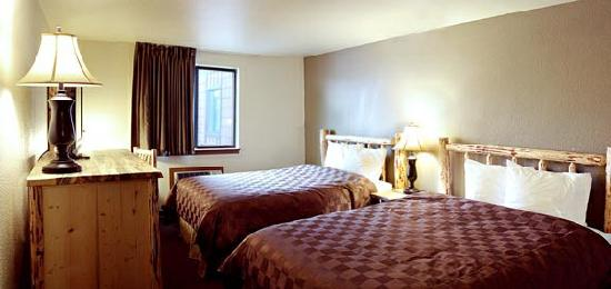 GuestHouse Lodge Sandpoint: Newly Updated Queen Rooms