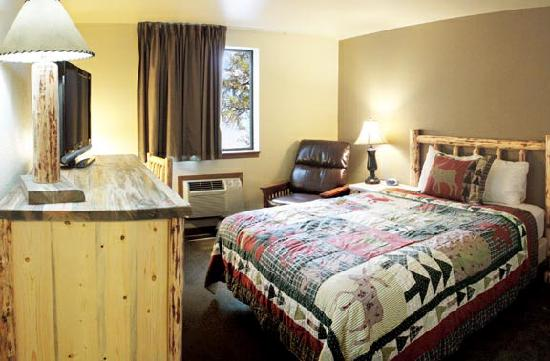 GuestHouse Lodge Sandpoint: Newly Updated King Room