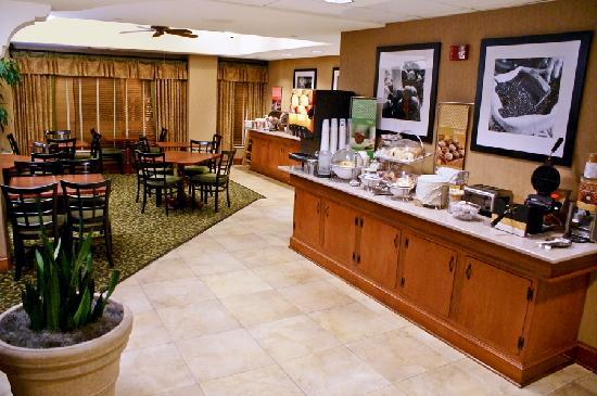 Hampton Inn Austin/Airport Area South: breakfast area