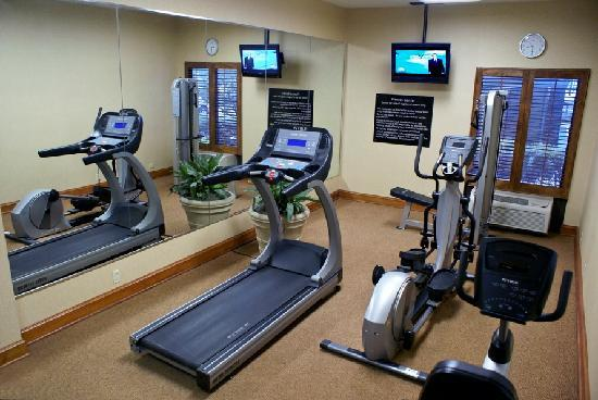 Hampton Inn Austin/Airport Area South: fitness room