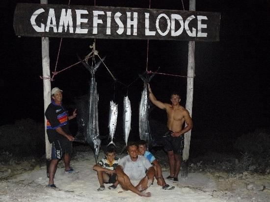 Game Fish Lodge: Happy Family