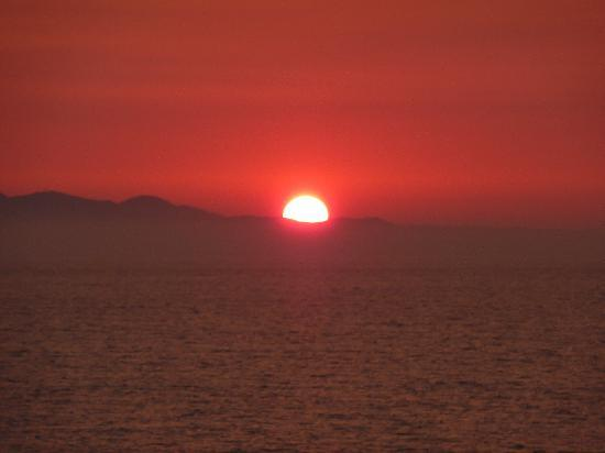 Delfino Blu Boutique Hotel: Sunset over Corfu
