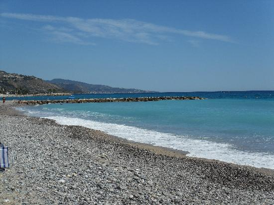 Menton, Francia: spiaggia