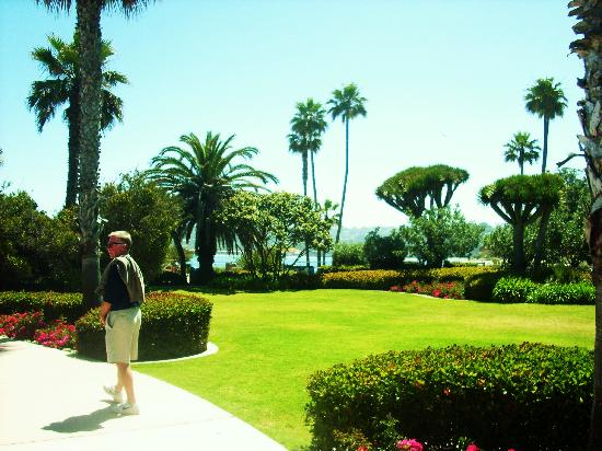 La Jolla Inn : the park, just 1 block away