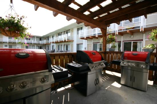 "Bowmont Motel: Steaks on the ""Barby""!"
