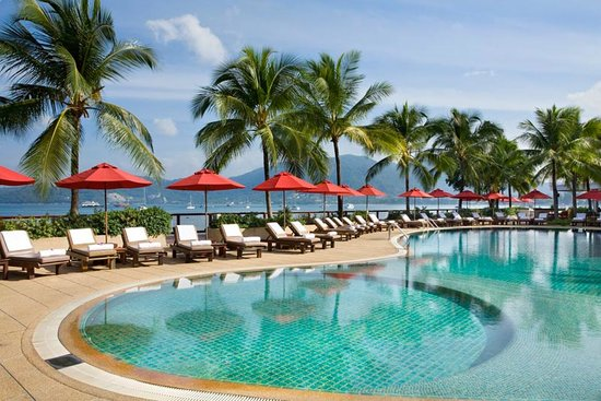 Amari Coral Beach Phuket : Beautiful ocean front swimming pool