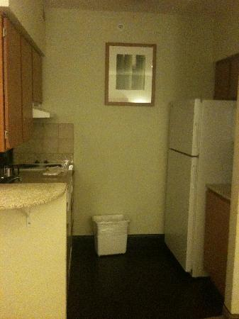 HYATT house Dallas/Richardson: Clean fully stocked kitchen
