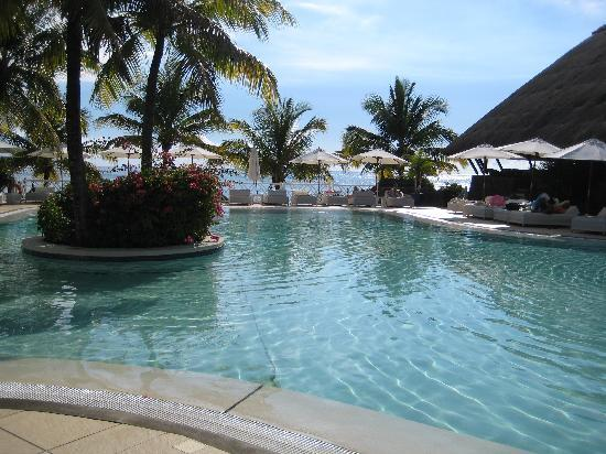 Dream holiday of a lifetime maritim resort spa for Swimming pool mauritius