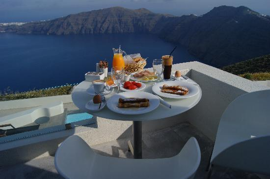 Avaton Resort: breakfast daily with unreal views