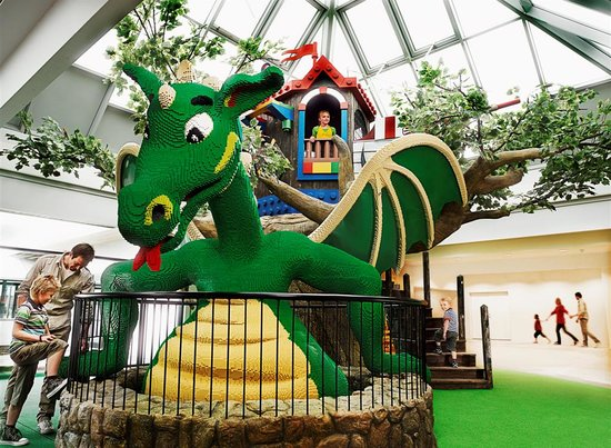 Hotel Legoland: Our dragon greets you